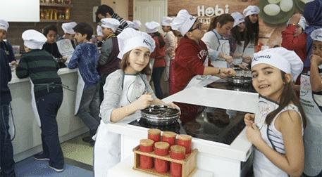 Çocuk Şefler Mutfakta (8-12 Yaş) Etkinlik Afişi